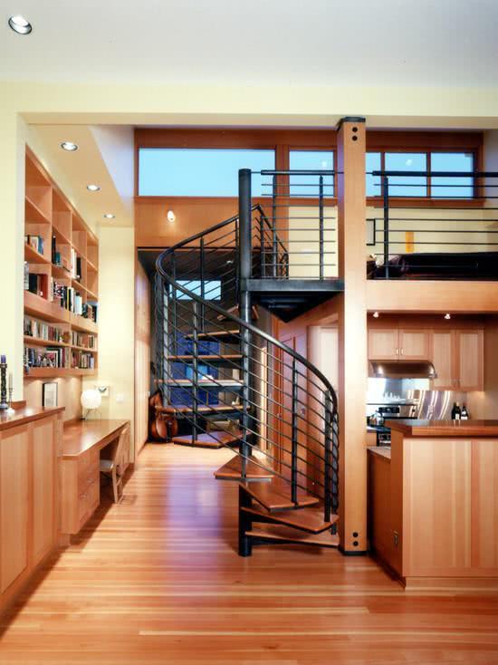 Aproveite a área da janela para colocar nichos, deixando seus pertences organizados