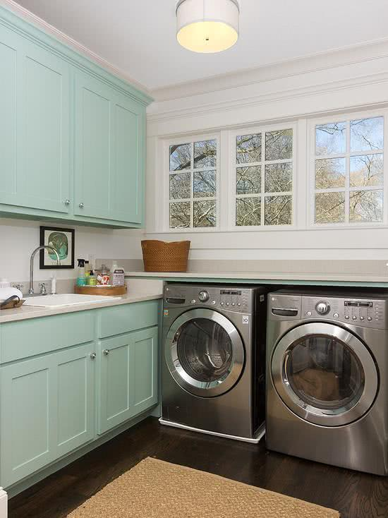 Modelos de lavanderias e áreas de serviço decoradas