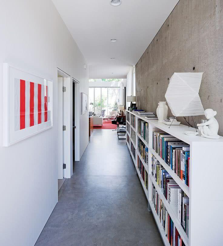 ideias de corredores decorados para te inspirar : 50 ? Corredor com ilumina??o embutida na parede por fitas de ...