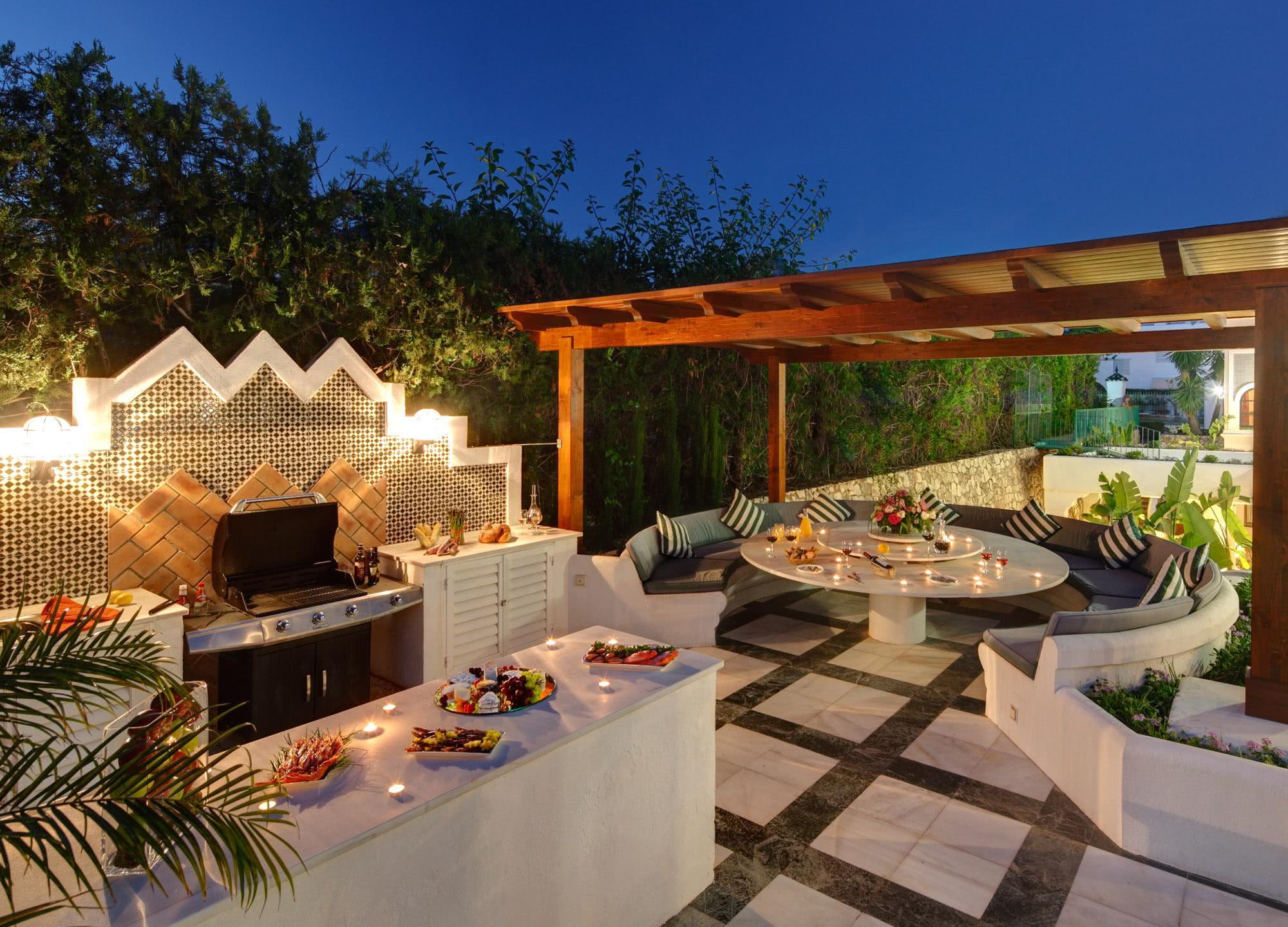 50 ambientes decorados com churrasqueira for Casa del barbecue