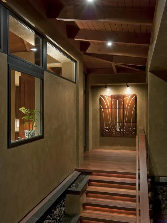 Imagem 75 ? Entrada residencial com escada e caminho de pedras