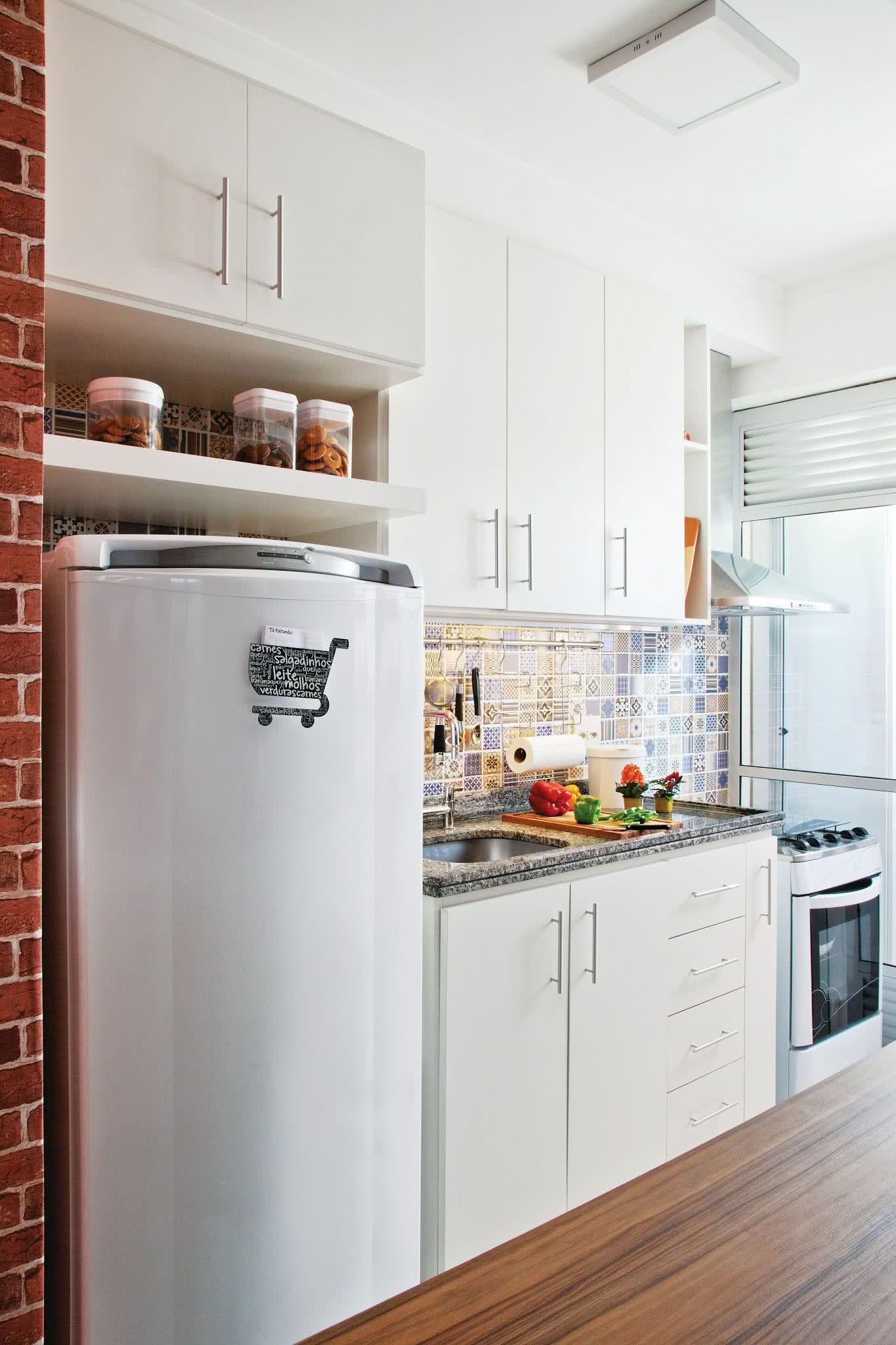 119 cozinhas pequenas modernas planejadas e decoradas for Cocinas decoradas sencillas