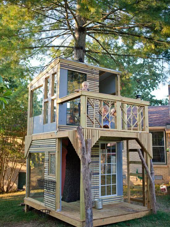 Casa na Arvore com sacada