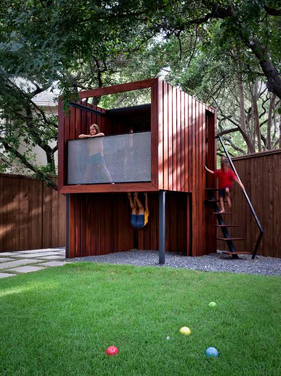 Casa na Arvore com guarda corpo ideal para instalar no quintal da residência