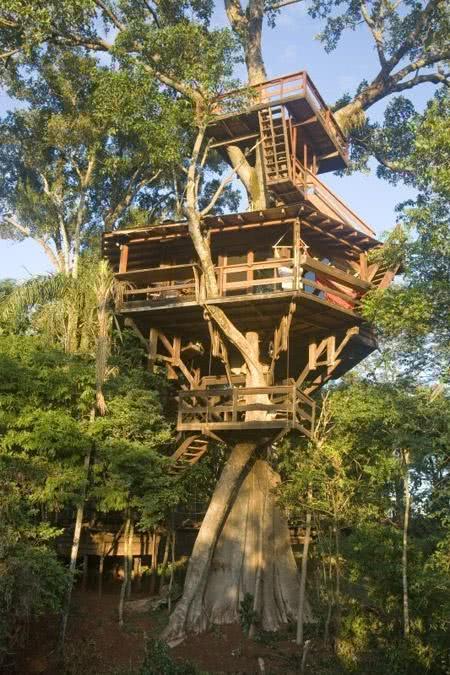 Casa na Arvore com três níveis