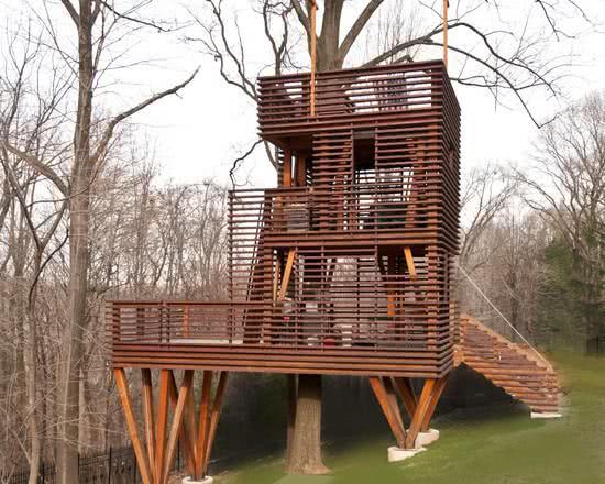 Casa na Arvore com três andares
