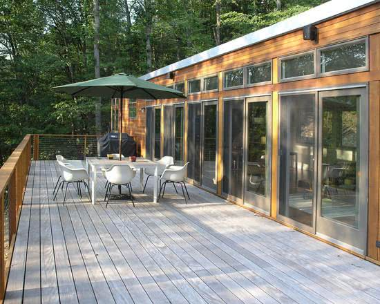 Ambientes com decks de madeira