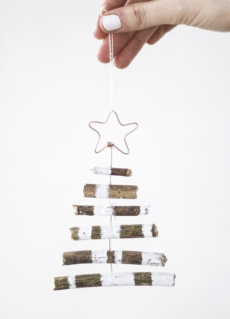 Árvore de Natal com estilo rústico.