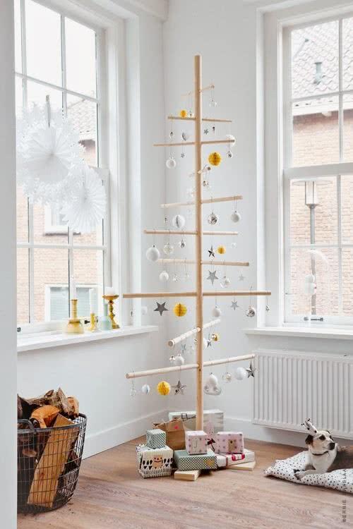 Árvore de Natal para colocar no quarto de bebê.