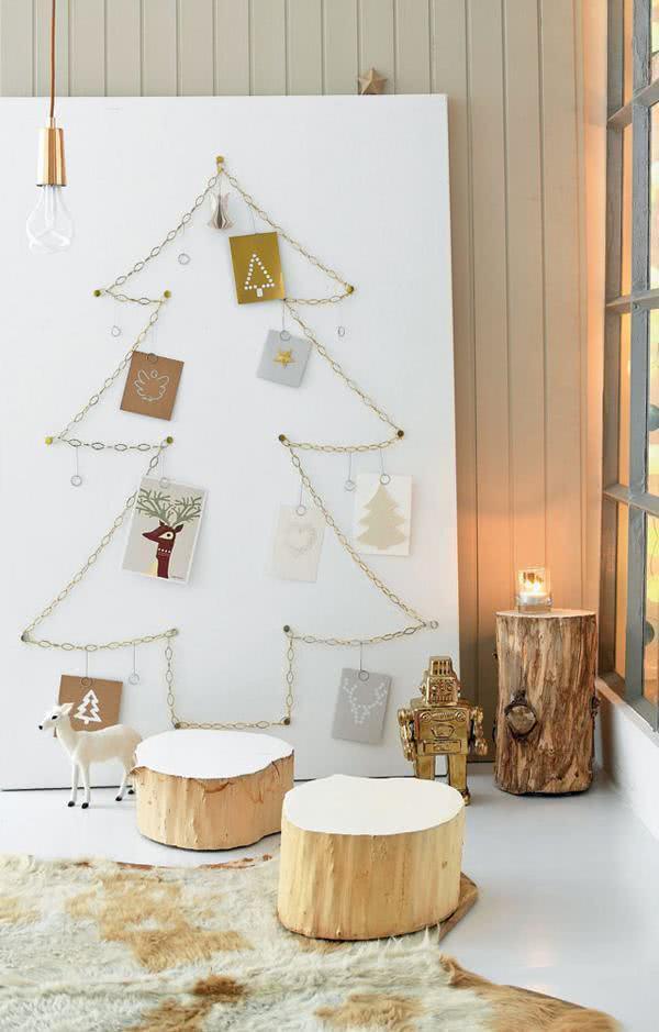 Árvore de Natal com correntes