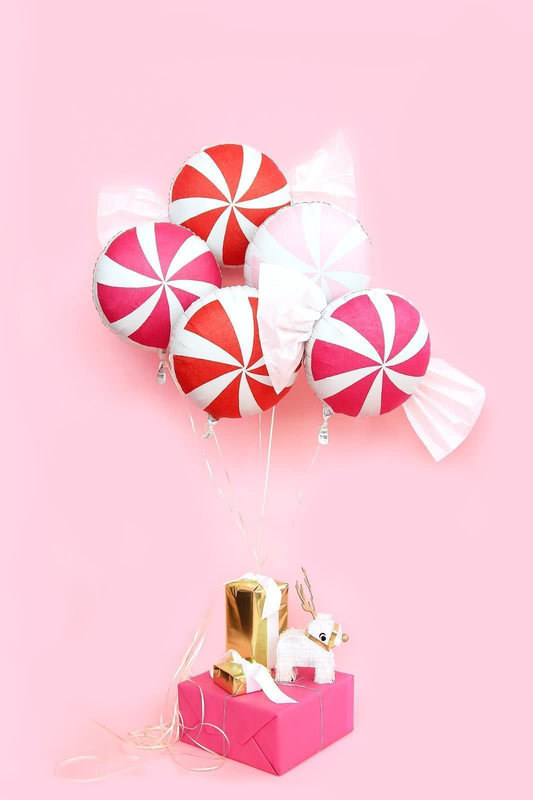 Decoração de Natal com balões.