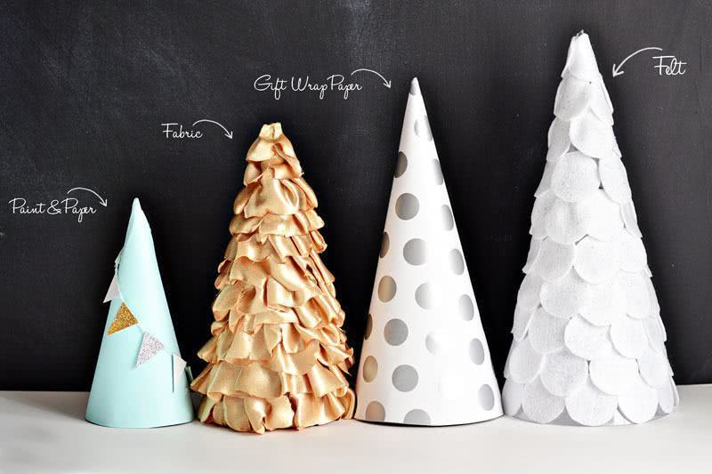 Árvore de Natal de papel, tecido, papel de presente e feltro.