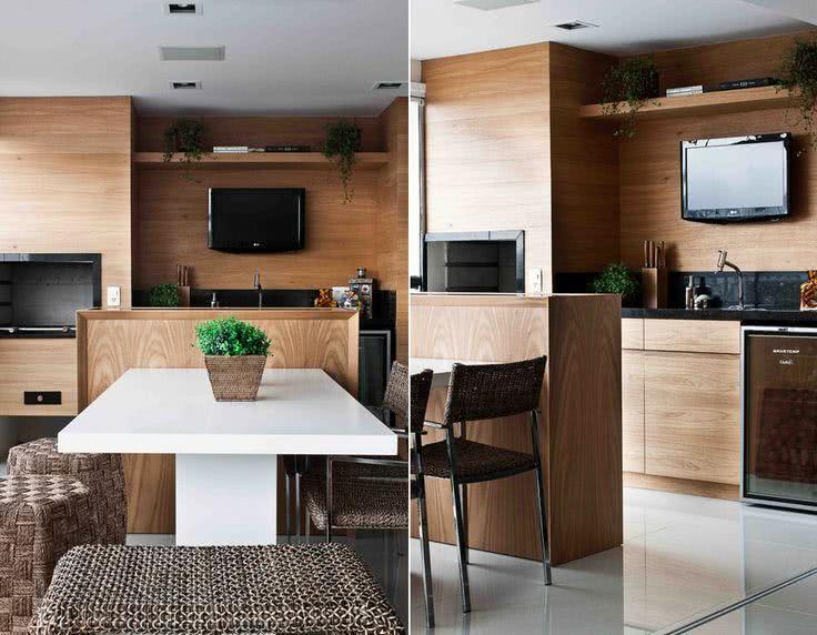 Varanda gourmet com TV e madeira