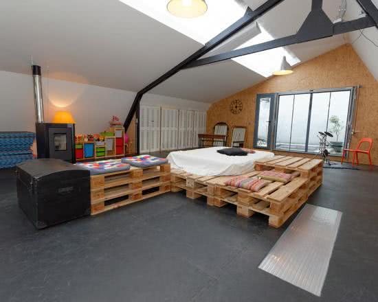 100 ideias de decora o com pallets para sua casa. Black Bedroom Furniture Sets. Home Design Ideas