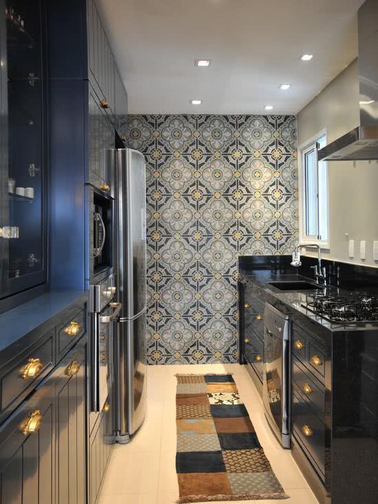 46 fotos de papel de parede para cozinhas na decora o for Amueblar cocina estrecha