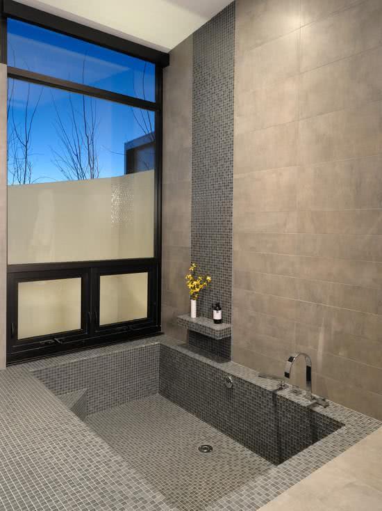 Banheiro Pequeno com Banheira 25 Ideias pra Você!  Blog Siote -> Banheiro Pequeno Ofuro