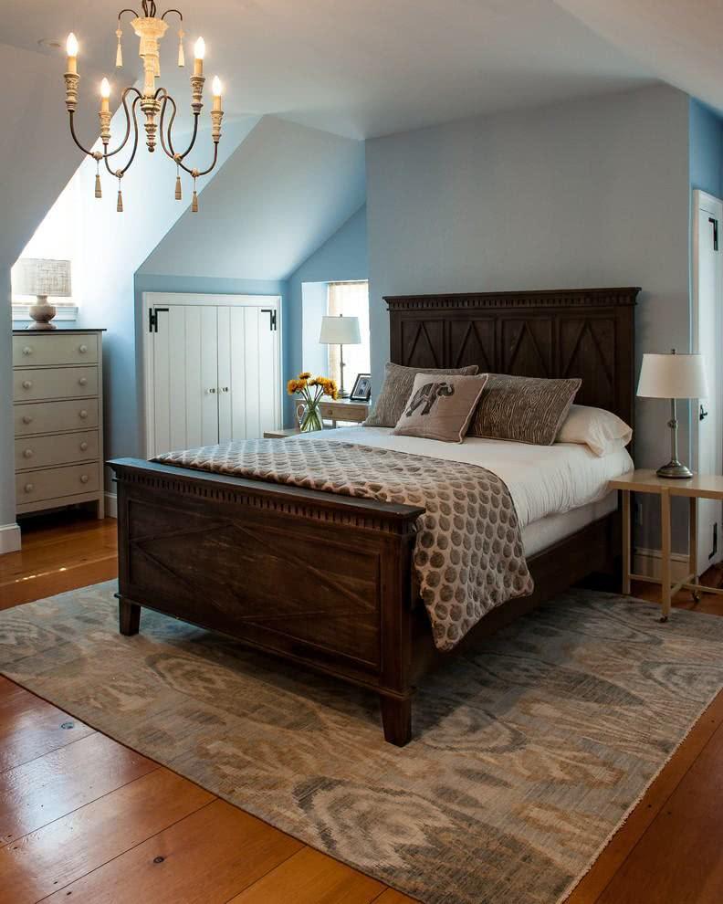 Destaque para os detalhes rústicos da cama de casal.
