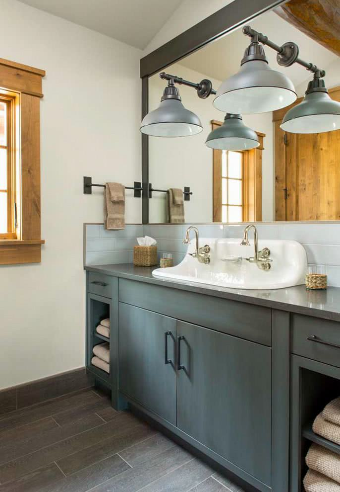 xemplo de banheiro em uma casa de campo.