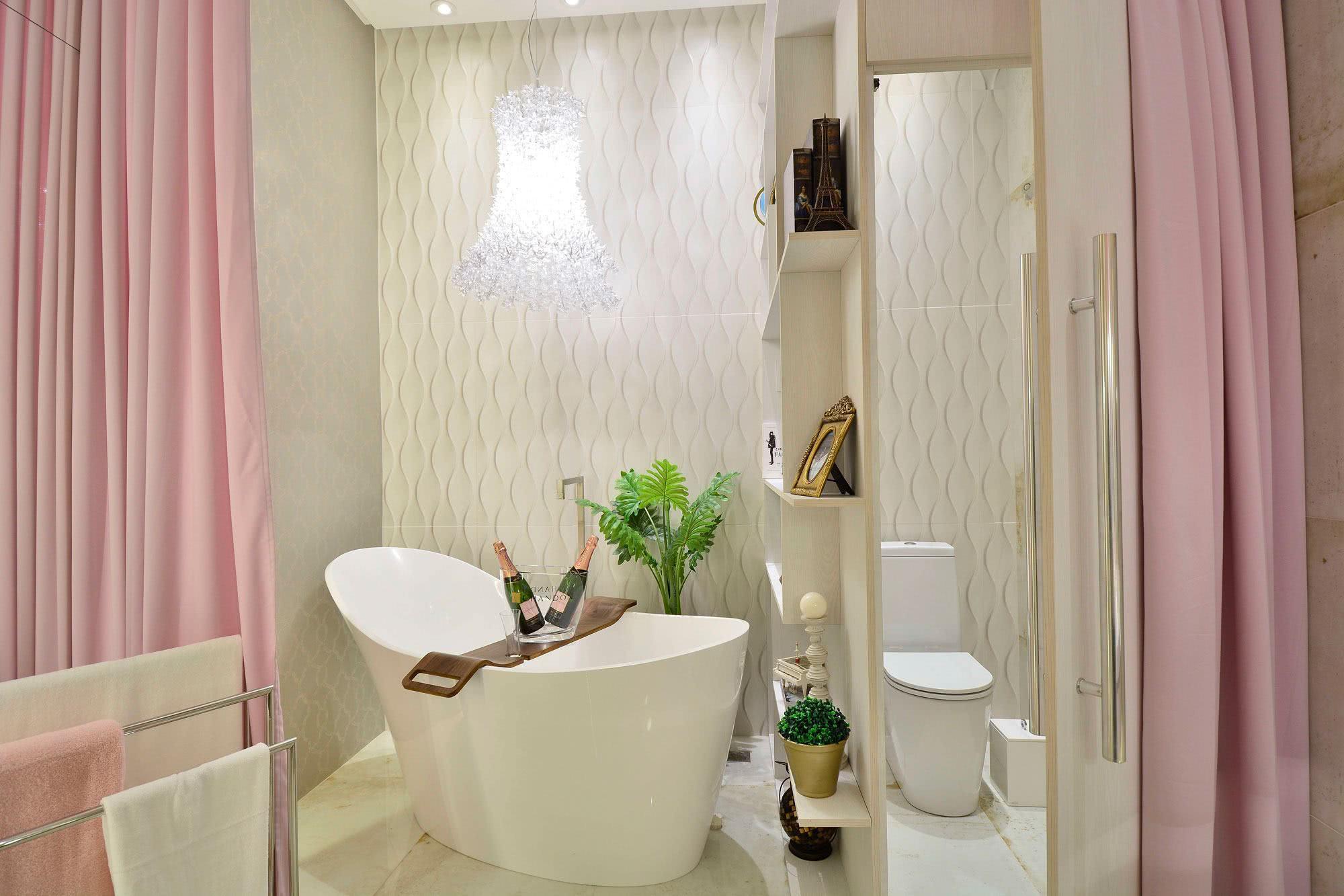 Se inspire no banheiro Pink com pegada clean