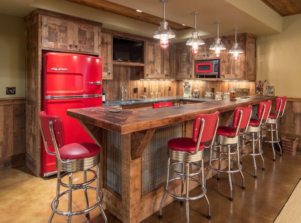 Cozinha rústica com um toque de bar