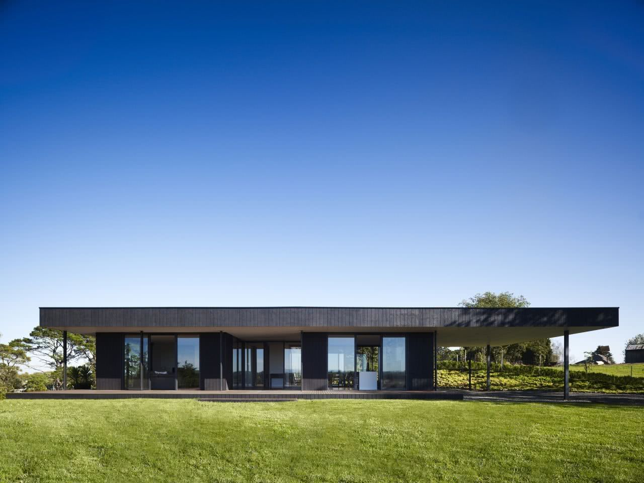 Casa térrea com estilo industrial.