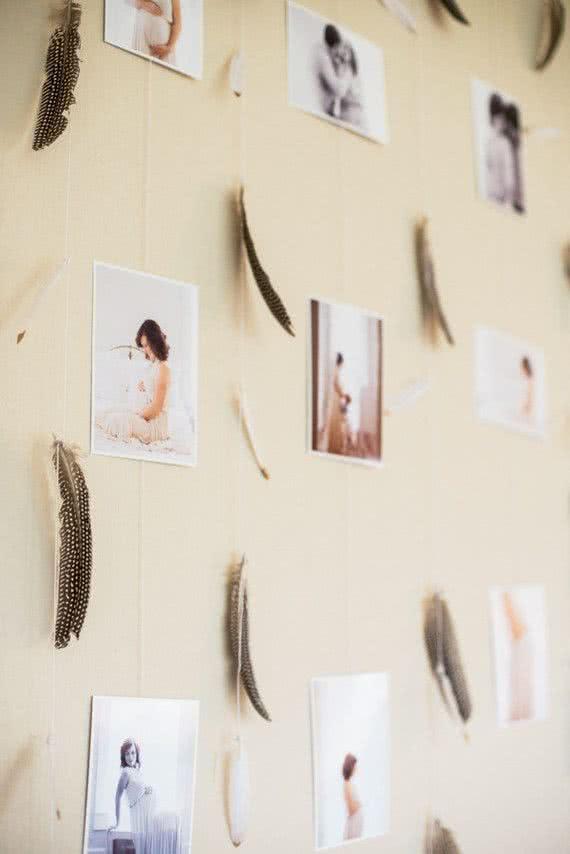 Mais uma ideia sensacional e fácil de colocar em prática: cortinas com fotos da gestação