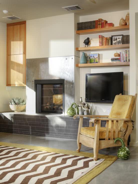 Sala Pequena Com Lareira E Tv ~ 56 Salas de TV Decoradas com Fotos para te Inspirar
