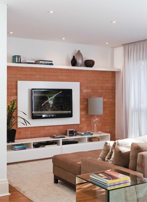 115 salas de tv decoradas com fotos para te inspirar for Salas de television modernas
