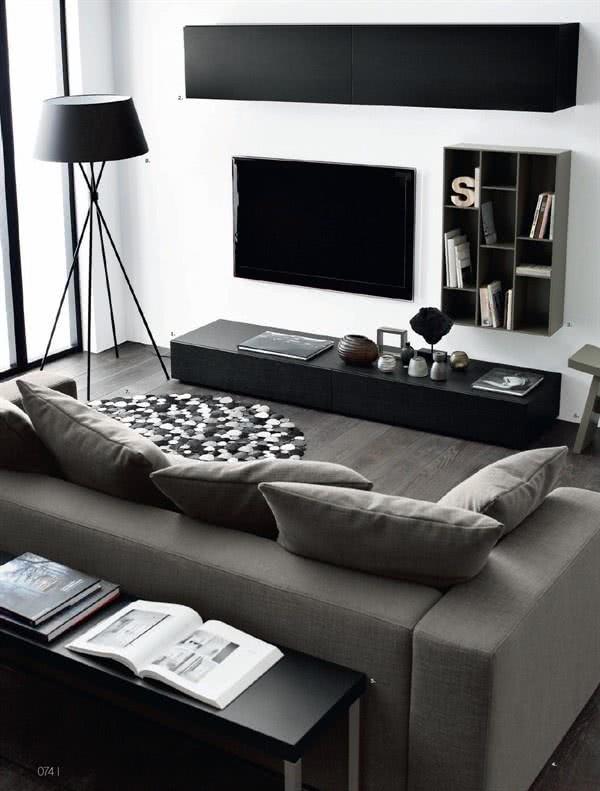 Sala de TV decorada preta e branca