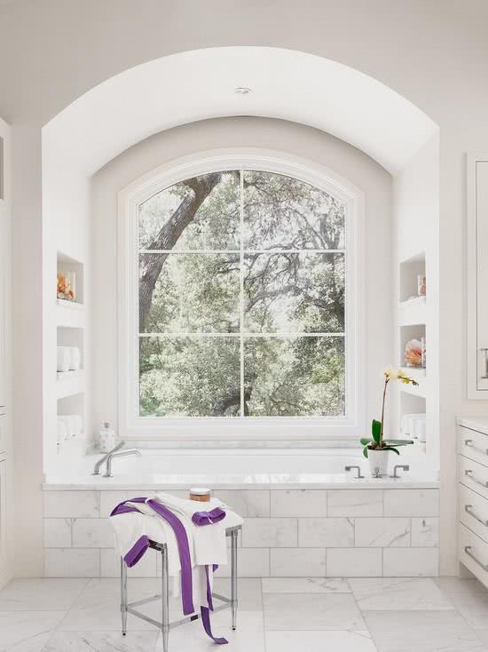 Banheira na janela