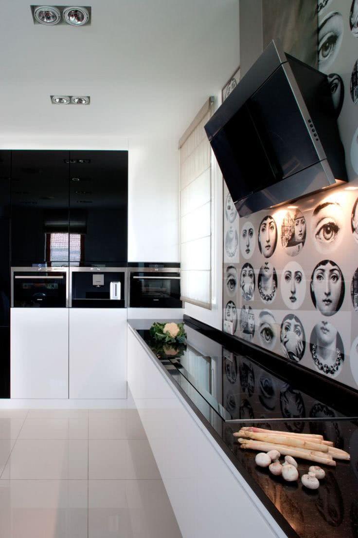 Cozinha moderna fashion com bancada preta