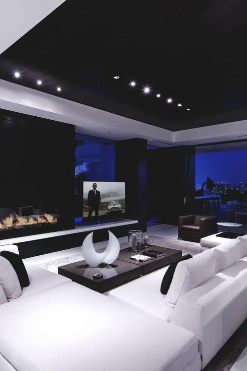 Sala de TV escura