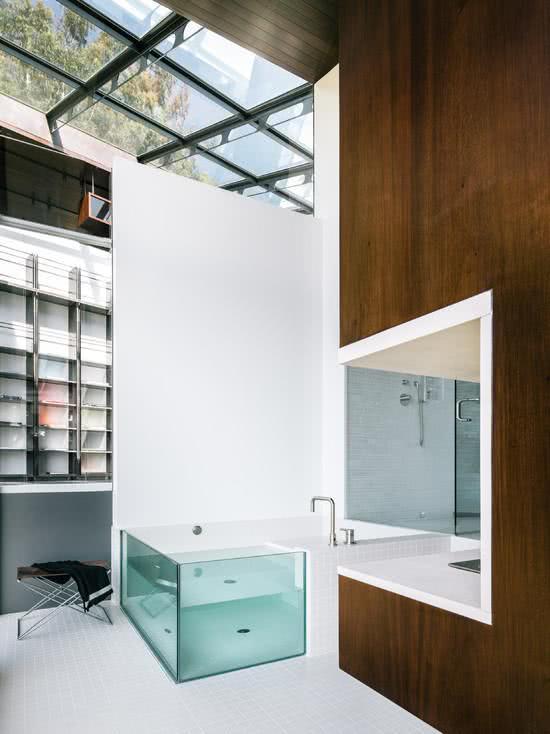 Banheira com acrílico / vidro