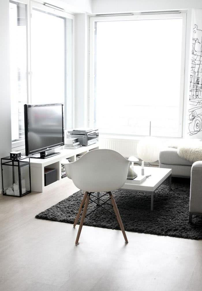 Sala clara com luz natural