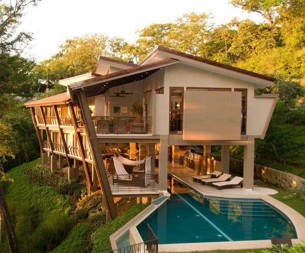 Fachada de casa de campocom piscina