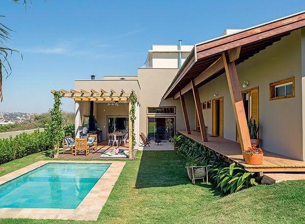 Casa de campo 95 modelos projetos e fotos incr veis - Fotos de casas en forma de l ...
