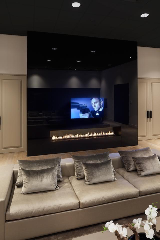 50 tvs embutidas em vidros espelhos e portas decoradas for Salas de television modernas