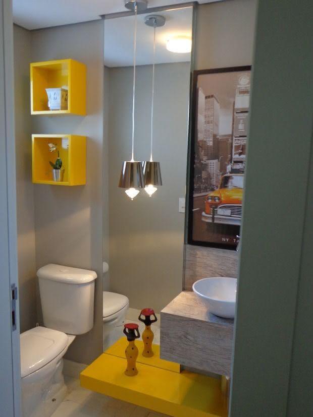 87 Ideias de Decoração com Nichos Modelos e Fotos! -> Banheiro Pequeno Cinza