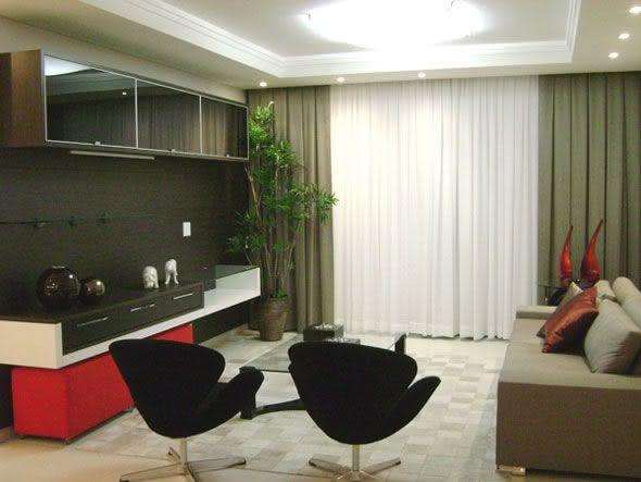 Imagem 49 – Sala de Estar com cortina presa na sanca de gesso