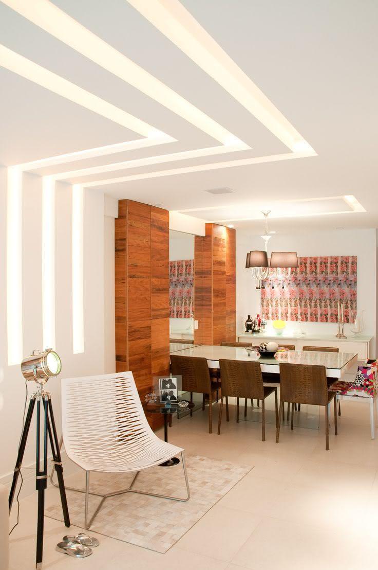 Forro De Gesso Para Sala De Jantar ~ Imagem 9 – Sanca de Gesso com rasgos retilíneos no teto e pared