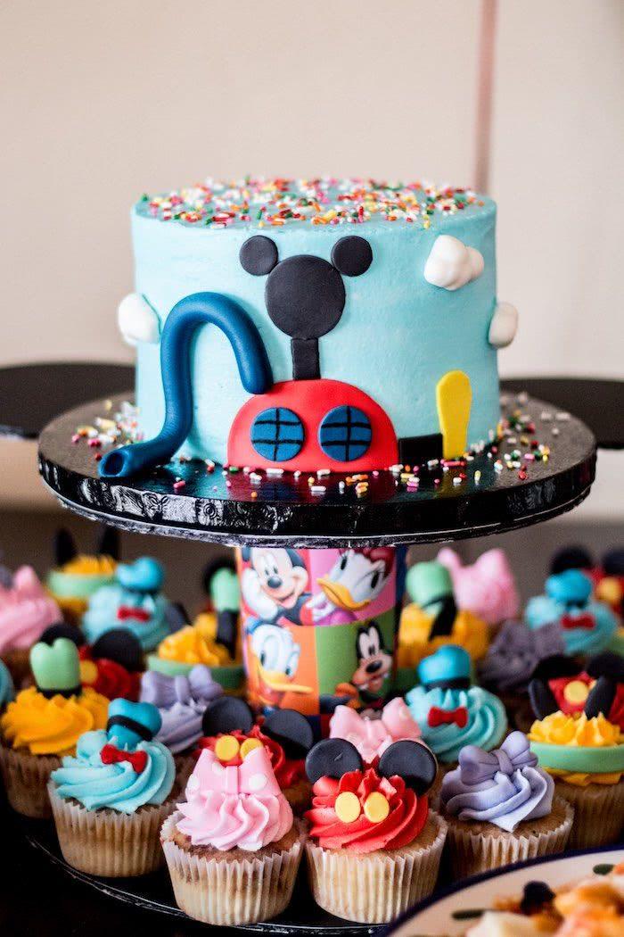 Reúna toda a turminha da Mickey para deixar o espaço mais animado!