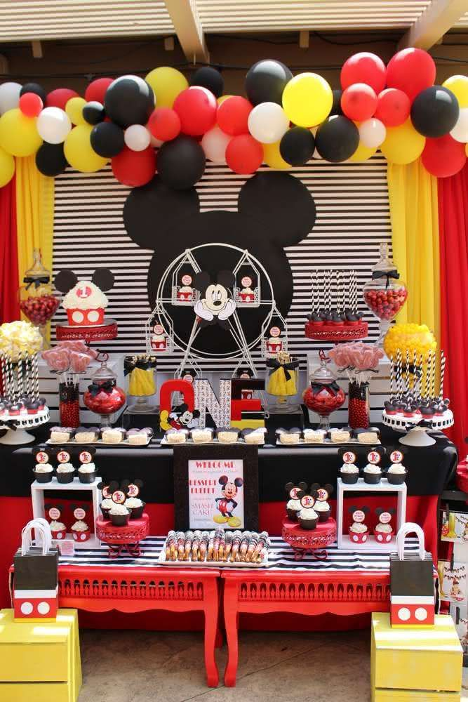 90 ideias para decora o de festa infantil do mickey. Black Bedroom Furniture Sets. Home Design Ideas