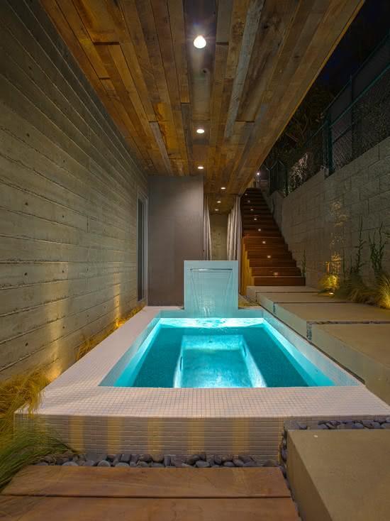 Cascata para piscina pequena