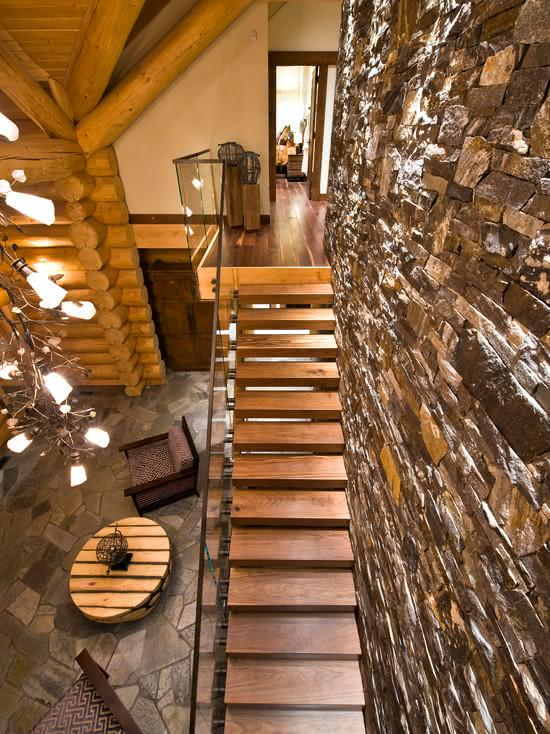 Escada com estilo rustico