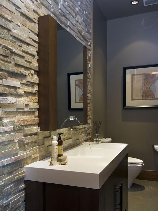 50 paredes com pedras como revestimento fotos - Salle de bain briquette ...
