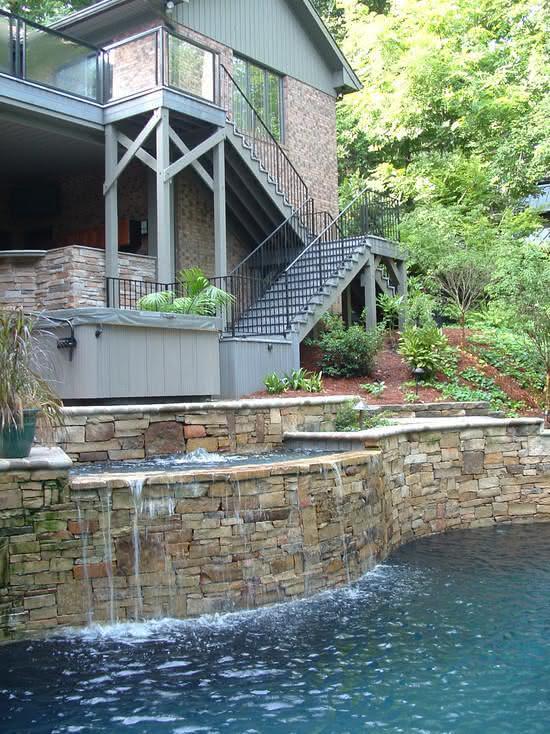Cascata para piscina com fonte transbordante