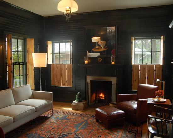 Sala De Estar Móveis Rústicos ~  rústica para sala de estar com parede escura e móveis neutros