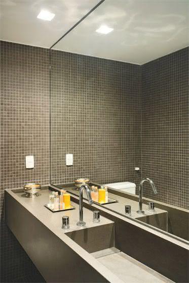 60 Bancadas de Banheiros e Lavabos para te Inspirar -> Gabinete De Banheiro Cinza