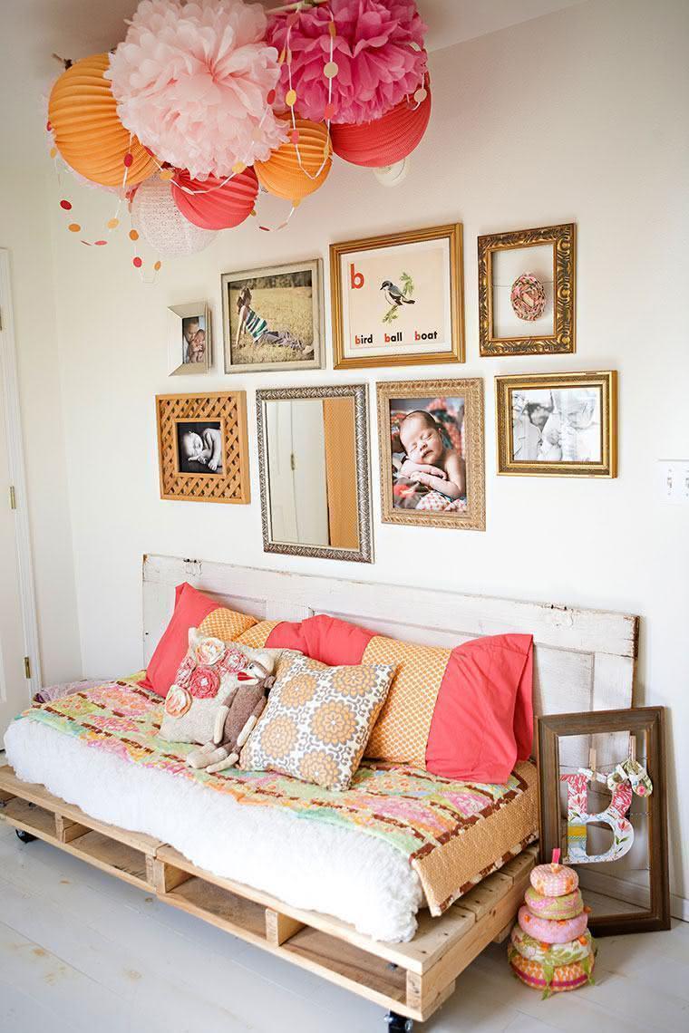 Decoração linda e colorida na sala
