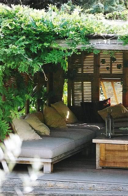 Sofá de pallet para área de jardim